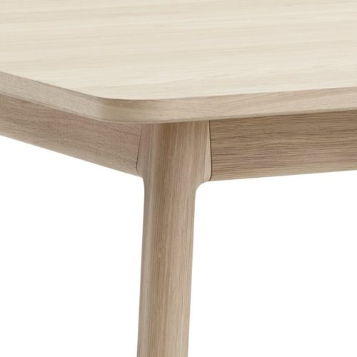 casø 700 dining table oak